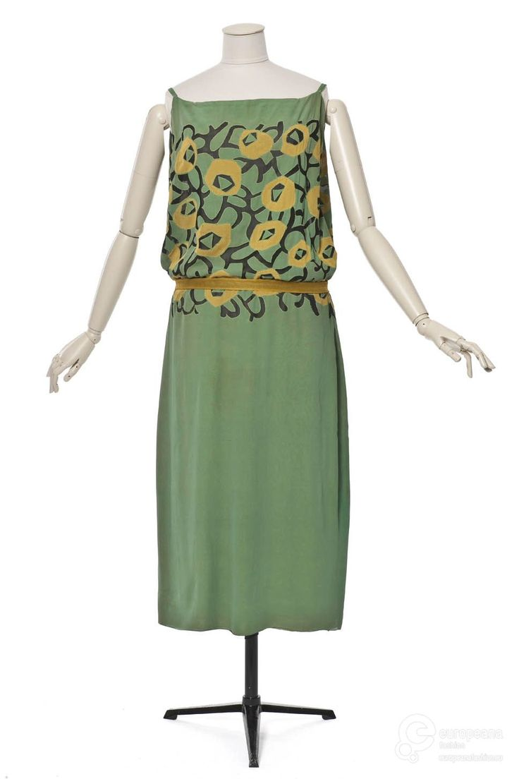 Evening dress in silk, designed by Vionnet, 1923. Courtesy Les Arts Décoratifs, all rights reserved.