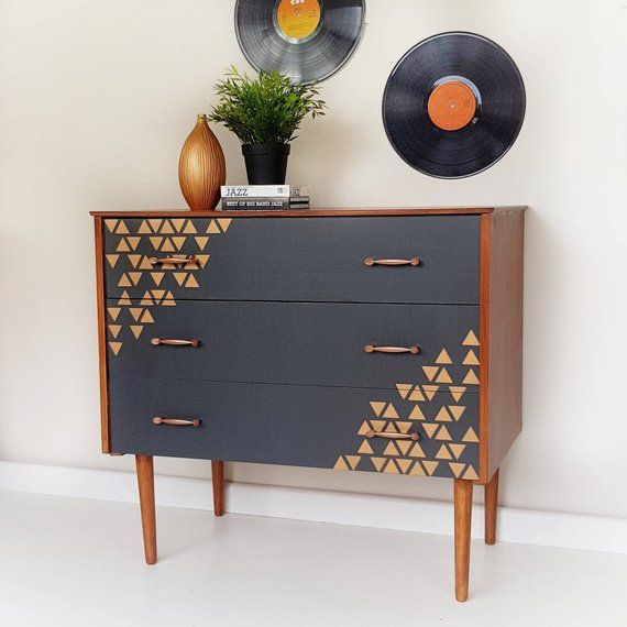 Sold Painted Retro Chest Of Drawers Mid Century Modern Dresser Vintage Drawers In Grey Mcm Chest Of Drawers Upcycled Retro Furniture Refurbished Furniture Retro Furniture Furniture Makeover