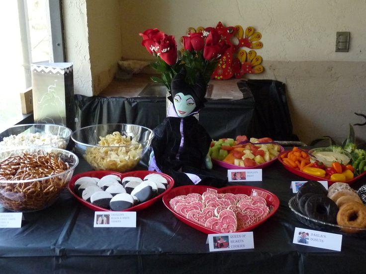 Disney Villains Party Food with Printable Labels #DisneyVillains #DisneySide