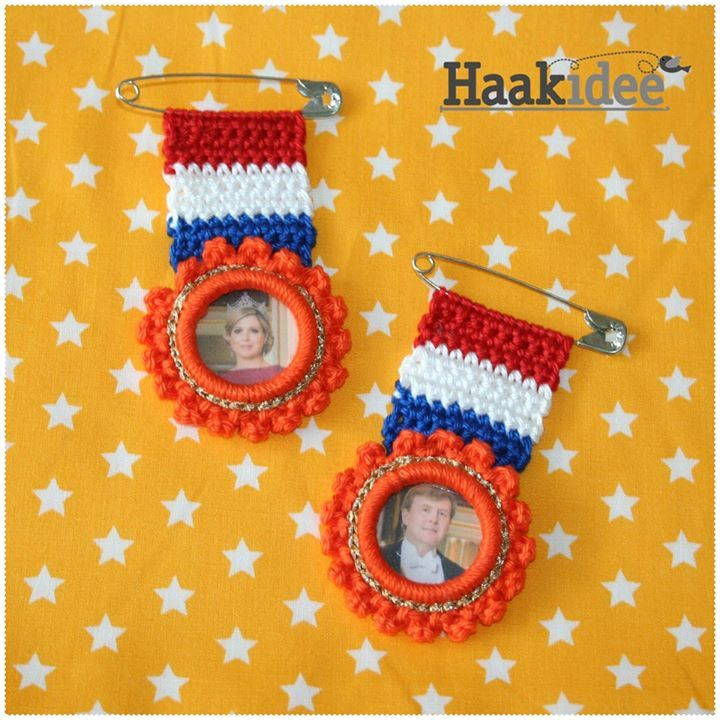 Koninklijke medailles gehaakt. Patroon op www.haakidee.nl