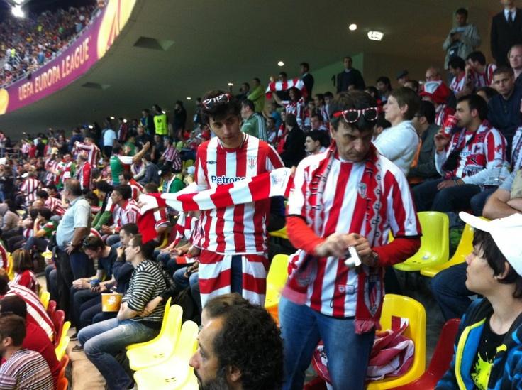 Suporteri Athletic Bilbao pe Arena Nationala la meciul Athletico Madrid - Athletic Bilbao Finala UEFA Europa League