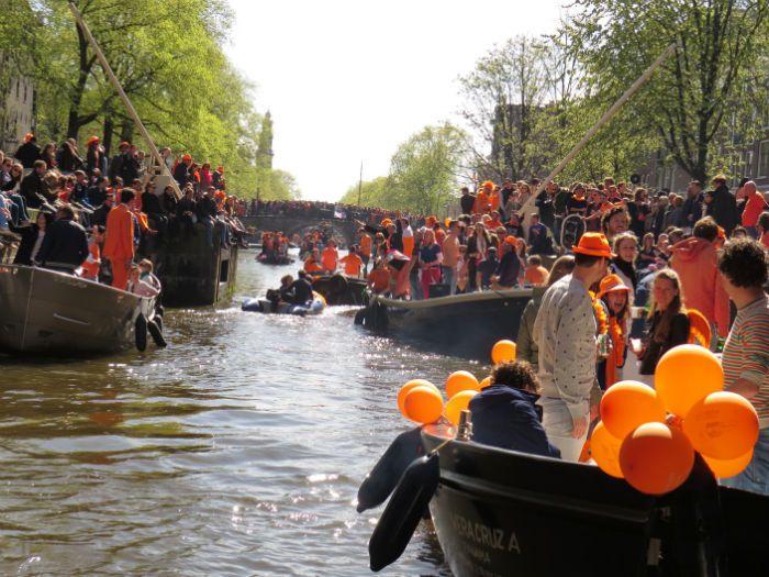Amsterdam_Grachtentour_Kingsday
