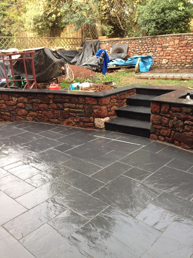 Marshalls midnight blue slate paving garden paving for Gardens with decking and paving
