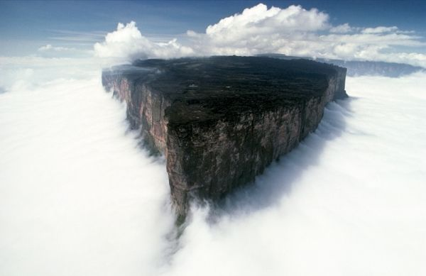 Mount Roraima, one of the oldest mountain formations on Earth, a natural border between Venezuela, Brazil and Guyana in South America. It is also called Roraima Tepui or Cerro Roraima.