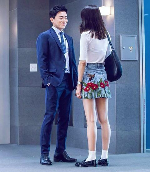 Reporternim This is NG ~ []❤ - P.s - Look at Her Legs  . . Source - SBS PD Note . . #konghyojin#kongvely#konglovely#kkong#i♥gong#공효진#공블리#공#Gonghyojin#Gongvely