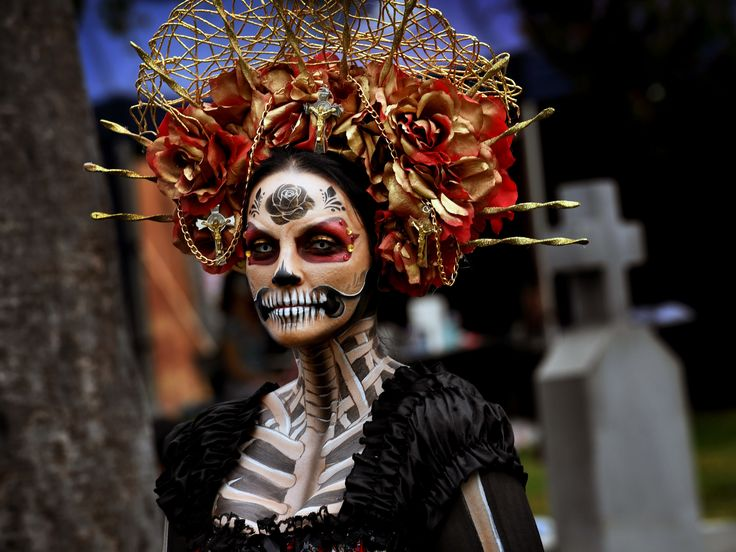 Sugar skulls, painted skulls, human skulls—these are the things Day of the Dead is made of. From Pátzcuaro to La Paz to Los Angeles, we present the gorgeous, ghoulish Dia de los Meurtos.