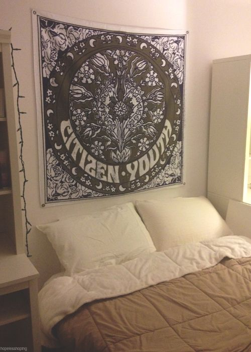 tapestry in bedroom tumblr bedroom on pinterest pop punk tumblr room