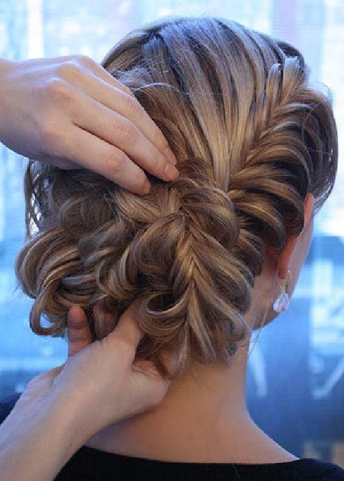 Cute up-do for long hair. If I had long hair!