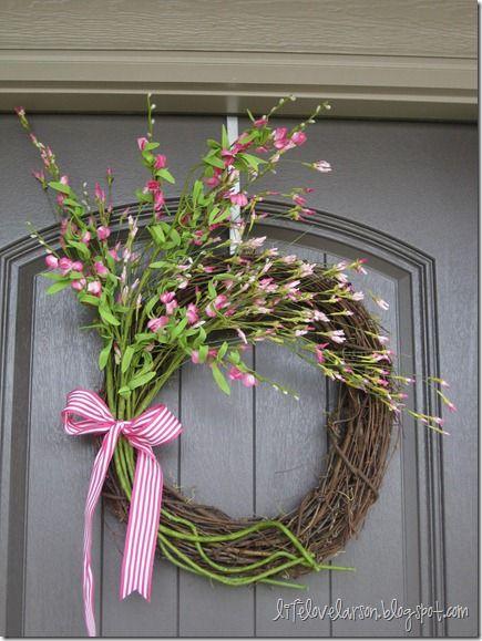 DIY Spring Wreath. Click for 40 more #DIY #Wreath Ideas