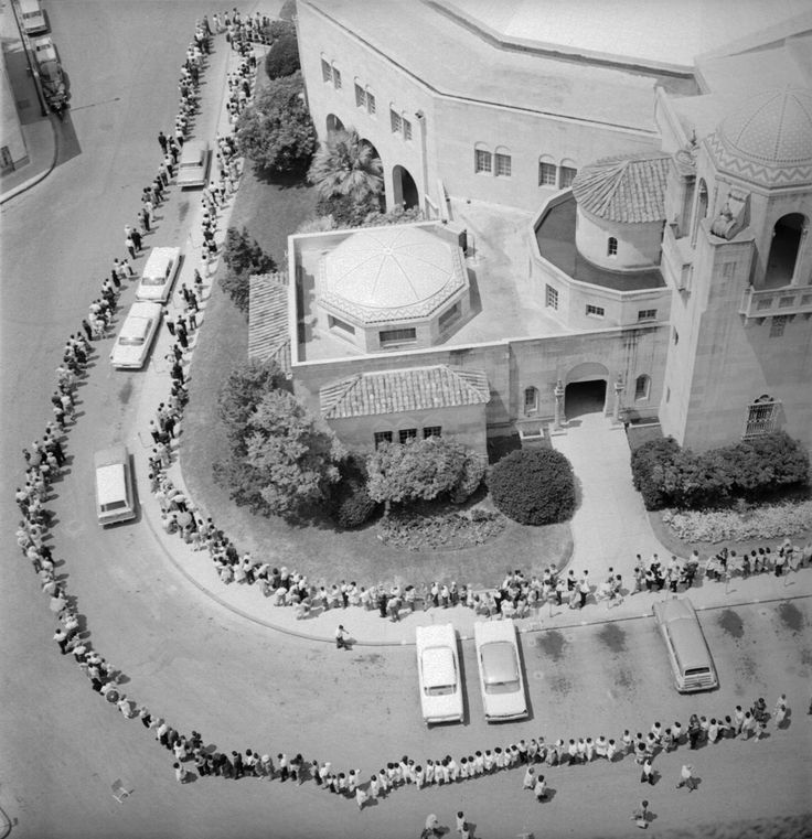 polio pictures | aerial view of a crowd awaiting polio immunization san antonio