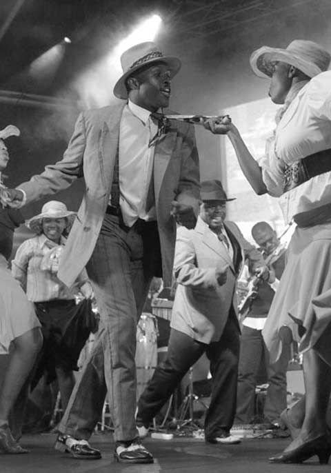 awesome photo, South African swing.  )http://www.mahala.co.za/culture/the-indestructible-beat-of-soweto/)