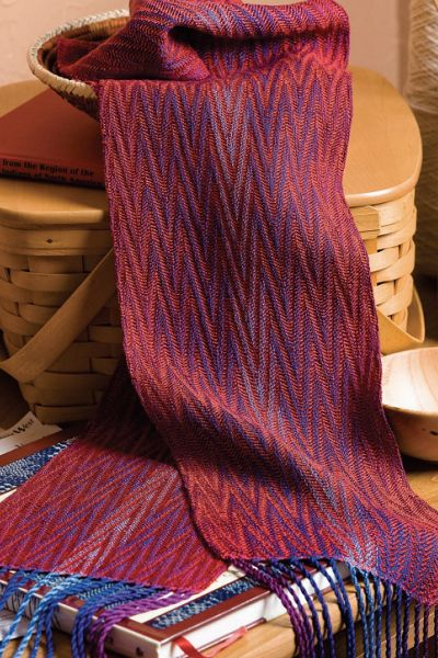 I love this 8-shaft scarf pattern in advancing point twill. It looks so elegant...and the weaving pattern is 100% free! Click here now.