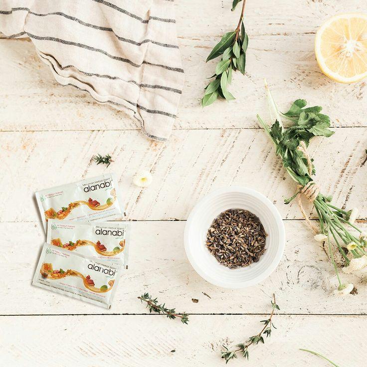 Bagi Alanabi® Fams yang sering bepergian, biasanya mengalami gejala influenza seperti batuk, pilek, demam, sakit kepala ataupun masuk angin seperti rasa mual, perut kembung, meriang keluar keringat dingin serta diare. Insya Allah sekarang tidak perlu khawatir, karena ada Alanabi®  Alanabi® adalah minuman herbal alami yang baik untuk menjaga stamina dan daya tahan tubuh serta dapat mencegah gejala masuk angin.  Hidup Sehat Cara Nabi, Hijrah ke Alanabi®!