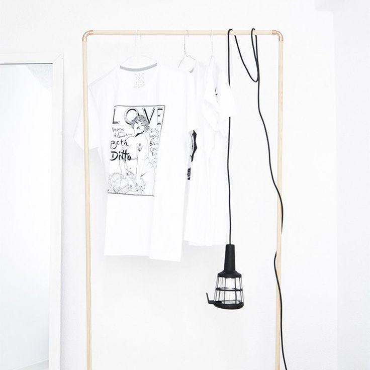 Un portant à vêtements à pieds - Marie Claire Idées - DIY clothes rack