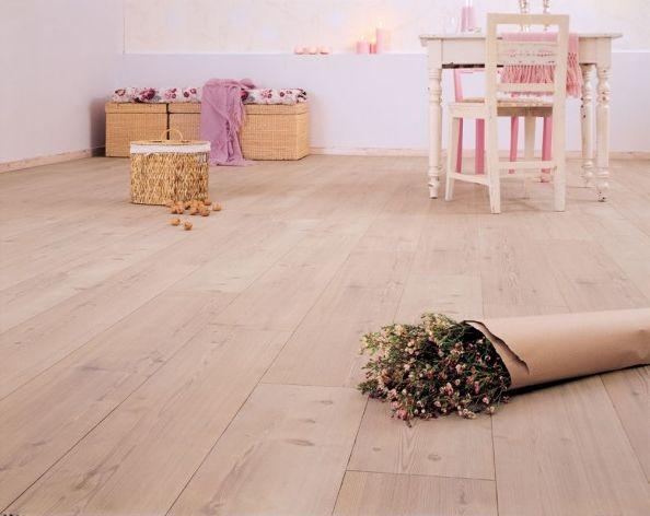les 25 meilleures id es de la cat gorie parquet stratifi sur pinterest carrelage stratifi. Black Bedroom Furniture Sets. Home Design Ideas