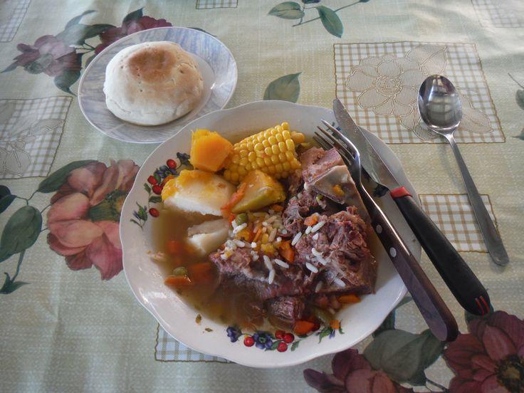 Cazuela de vacuno con pan amasado (beef stew with homemade bread)