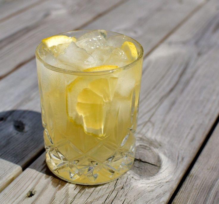Ukens drink - Lynchburg Limonade - en deilig og syrlig sommerdrink