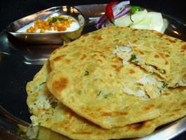 Muli Paratha Indian Bread // Pieczyw -indyjskie z nadzieniem z rzodkiewki