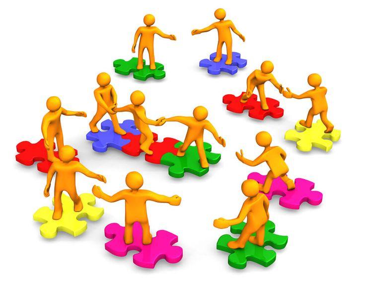 Nenhum profissional trabalha sozinho ou para si mesmo. Trabalhar é uma atividade humana que requer contato entre pessoas.  Networking: cultivar uma boa rede de relacionamentos garante acesso a mais oportunidades profissionais para avançar na carreira e no mercado de trabalho. #outplacement #carreira