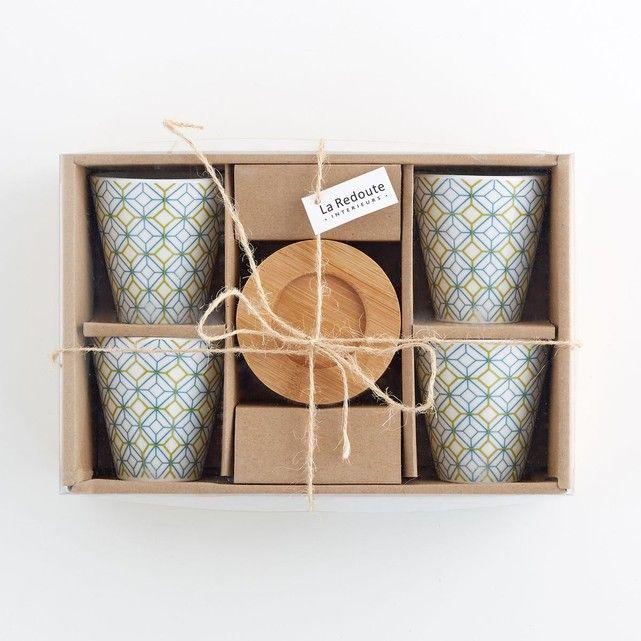 Tasses à café en porcelaine, lot de 4 La Redoute Interieurs : prix, avis & notation, livraison.  Lot de 4 tasses à café en porcelaine et 4 sous-tasses en bambou La redoute Intérieurs. Motifs géométriques bicolores sur les tasses. En coffret cadeaux.Caractéristiques des 4 tasses à café :- Tasse à café en porcelaine et sous-tasse en bambou- Diamètre Haut : 6,5 cm- Hauteur : 6...
