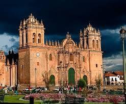 291 – (1543 - 30 de Abril) El gobernador Vaca de Castro ordena, desde el Cusco, demoler la Catedral y se realice una contribución extraordinaria entre los vecinos y encomenderos a fin de construir otra.