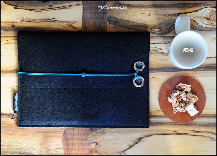 Чехол для планшета из фетра. vk.com/dooziedude #dooziedude #dooziecapt #feltbag #ipad #felt #bag #wool