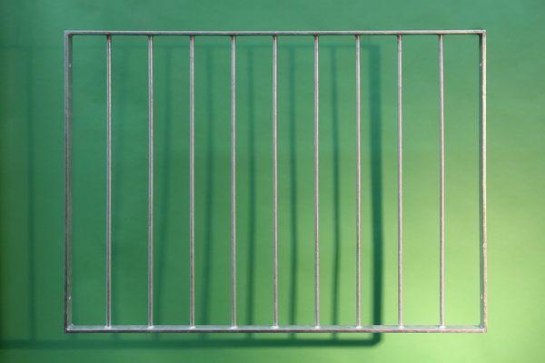 franz. Balkon aus 40 x 10 mm feuerverzinktem Flachstahl