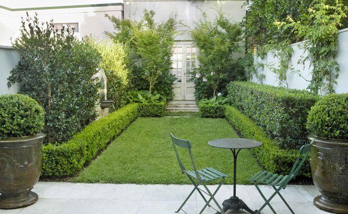 Pretty walled courtyard - Grand Garden Design Sydney | GOOD MANORS