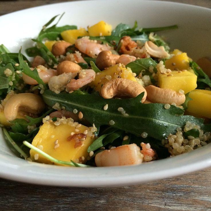O wat is dit recept salade met garnalen, quinoa, rucola, mango en cashewnoten lekker! En ook nog eens heel gezond! Garnalen zijn rijk aan ...