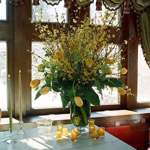 flower arrangements for weddings tables   Wedding Designs: Wedding Table Tall arrangement With Tulips Forsythia