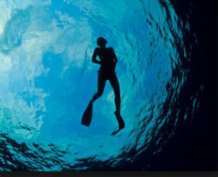 Indonesia Jadi Destinasi Selam Nomor Satu di Dunia  Kegiatan diving di laut Taka Bonerate di Pulau Tinabo Besar Kepulauan Selayar Sulawesi Selatan.  KONFRONTASI - Indonesia adalah destinasi selam paling populer tahun 2017 versi Dive Magazine dengan 22.552 suara pembaca majalah berbasis di Inggris tersebut. Pemungutan suara dilakukan Dive Magazine selama enam bulan. Sebenarnya ada 19 negara yang dinominasikan pembaca Dive Magazine sembilan lainnya adalah Kepulauan Galápagos; Malaysia; Malta…