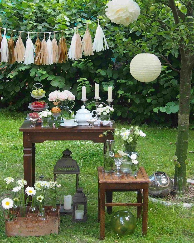 Sommerparty! 🍉🥂🍾Wir zeigen euch heute 10 DIY-Anleitungen für eure Gartenparty unter freiem Himmel! Die ersten Ideen kommen von Mitglied wooloomollo 🎊 zu den anderen neun Anleitungen geht's im #Link in der #Bio! #solebich #diy #diynstag #sofeiereich #gartenparty #partydeko #gardenparty #sommerparty