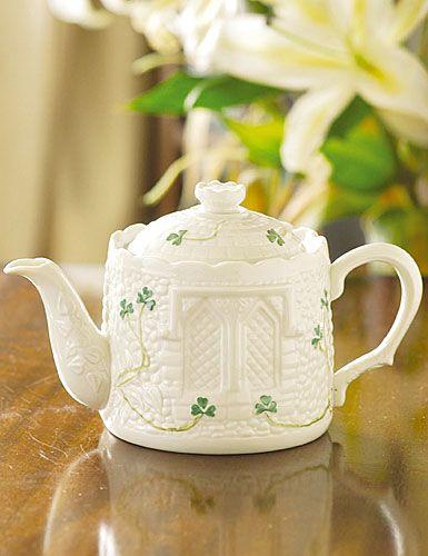 belleek shamrock castle teapot: Pottery Castle, Tea Time, Teapots, Castles, Castle Teapot, Irish Pottery, Tea Pots, Belleek Irish