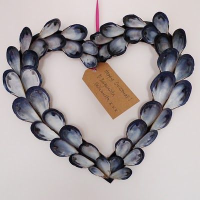 I will probably never have one, but I find it interesting. sea shell wreath | mussels