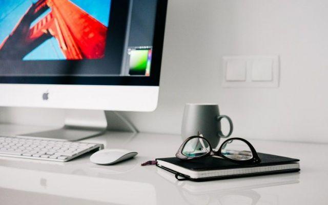 Otto regole per trasformare la tua passione  in un lavoro on line Come riuscire a guadagnare dalla tue passioni on line lavorando da casa attraverso il tuo blog otto regole per iniziare in proprio da subito. Vediamo come pianificare progettare per raggiungere gli o #blog #lavoroonline #lavoraredacasa