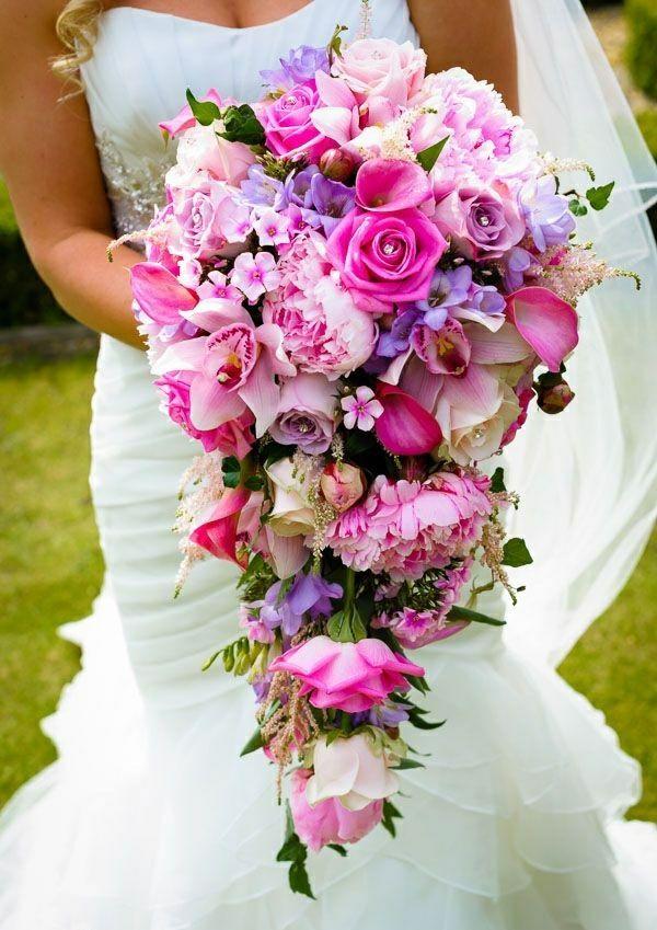 hochzeitsstrau hochzeitsideen brautstr u e bilder brautstrauss bouquet florales. Black Bedroom Furniture Sets. Home Design Ideas