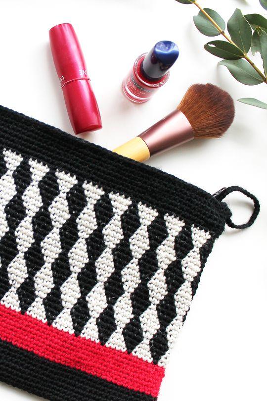 #7 Virkattu Salmiakki-laukku Novita Nalle | Novita knits 12.4.-