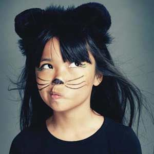 Kid's #Halloween Kitty Makeover | http://www.rachaelraymag.com/fun-how-to/makeovers/kids-halloween-costume-makeup/3/#