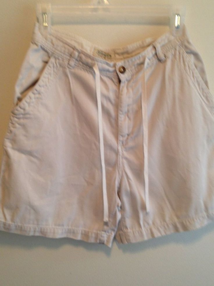 St Johns Bay Womens Cream Shorts Draw String Size 8P  EUC #StJohnsBay #KhakiChino