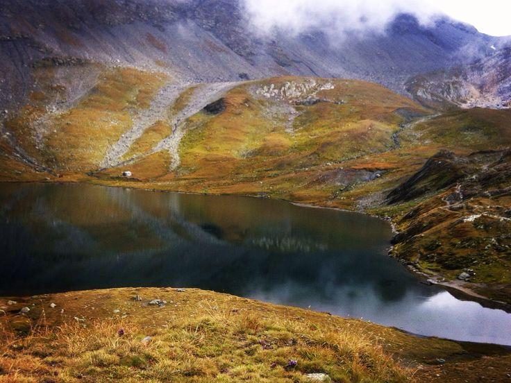 Lacs Fenêtre 2495m alt.( val Ferret Valais)