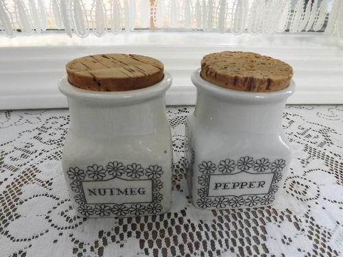 2 Mid Century Arabia Finland Pepper Nutmeg Spice Jar Ulla Procope Esteri Tomula   eBay