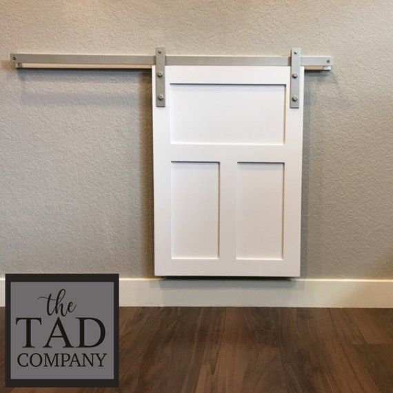 Mini Scheunentor 12 X 17 Haustier Schiebetur Abdeckung Dekorative Hund Tur Abdeckung Farmhouse Chic Handw In 2020 Pet Door Dog Door Interior Barn Doors