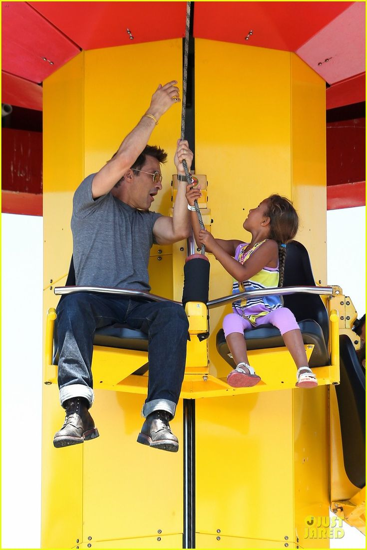 Halle Berry & Olivier Martinez: Legoland with Nahla! | halle berry olivier martinez legoland with nahla 09 - Photo