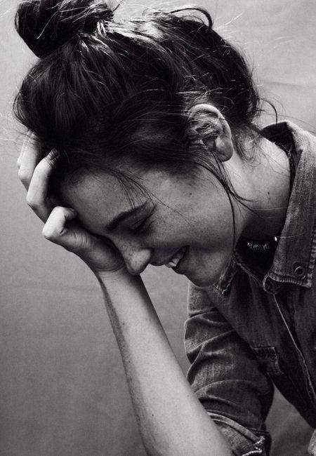 Te sientes triste... ¿Te parece que todo es gris? ¿Estás descorazonada? ¿Herida? ¿Enojada?  La fenomenal Dr. Angeles Arrien, antropóloga cultural,
