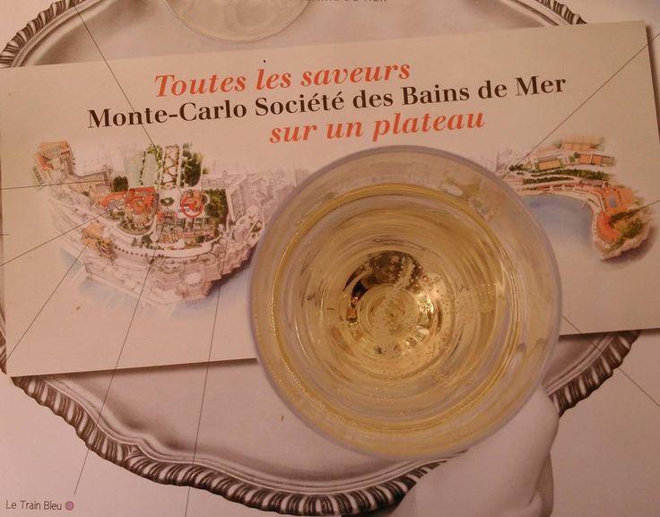 #Casino Каждый кто оказался в Монте-Карло должен заглянуть в Cafe de Paris. #cafedeparis #monaco #montecarlo #champagne #travel #europe #монако #монтекарло #шампанское #дольчевита #dolcevita #европа #путешествия by natkinskaya_ from #Montecarlo #Monaco