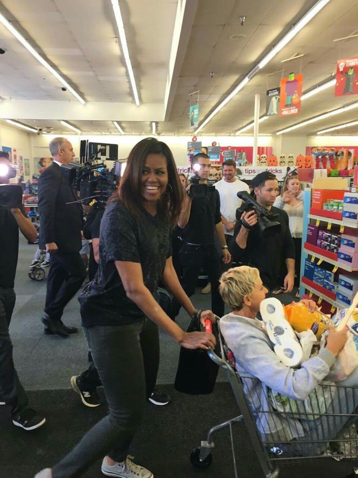 First lady Michelle and Ellen in CVS