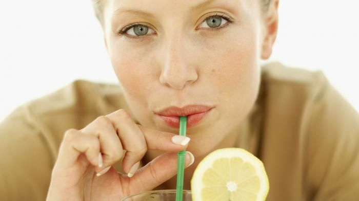 Fakta Makanan - Mulai Sekarang, Berhenti Minum dengan Sedotan! Ini Alasannya