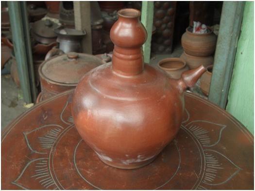 Kendi adalah tempat air seperti teko yang terbuat dari tanah liat. Kendi dikenal di seluruh dunia dan berkembang di Mesir, China, Jepang, Thailand, dan Indonesia. Sebutan 'kendi' pada umumnya dikenal di seluruh Asia Tenggara. Kata kendi berasal dari bahasa Sansekerta (dari India) yakni kundika yang artinya 'wadah air minum'.