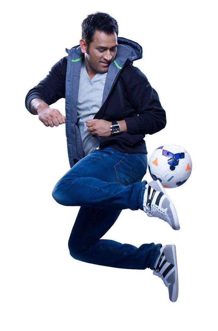 Dhoni Kicks