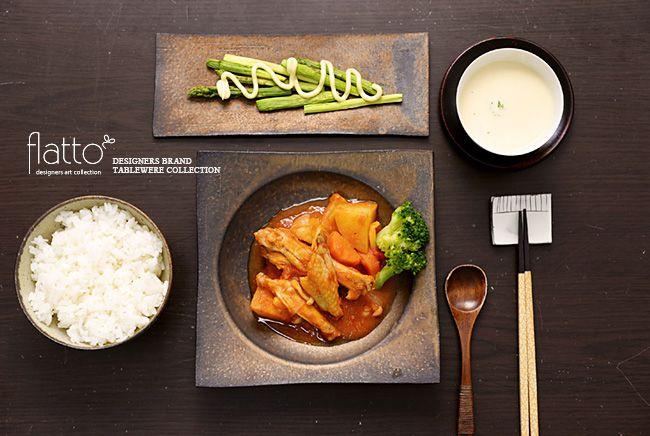 鶏手羽中のトマトソース煮とアスパラサラダ(和食器:水野幸一の銅彩釉角皿etc)